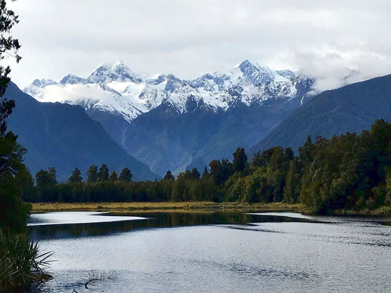 view over Lake Matheson to Aoraki Mt. Cook